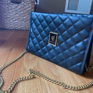 🖤 Younique Black and Gold Crossbody 🖤